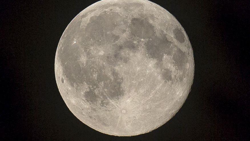تبدیل ماه به بزرگترین بیلبورد جهان