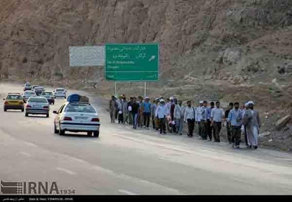 زائرین پیاده امام رضا (ع) در قاب تصویر