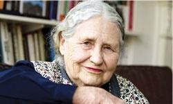 برنده نوبل ادبیات بیش از ۲۰ سال هدف جاسوسیهای انگلیس بوده است