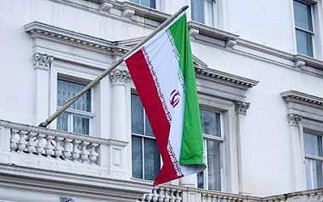 بازگشایی سفارت انگلیس در تهران، حاشیهها و واکنش ظریف؛ تحلیل بیبیسی چه بود