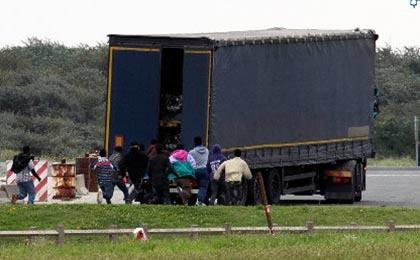مرگ بیش از ۷۰ پناهجو در اتریش
