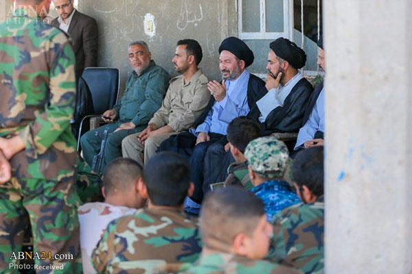 حضور تولیت حرم امام علی (ع) در جبهه جنگ علیه داعش