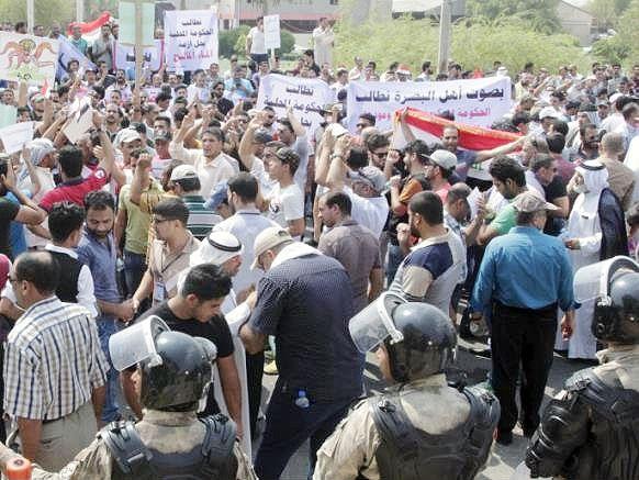 تظاهرات مردم عراق برای سومین روز متوالی