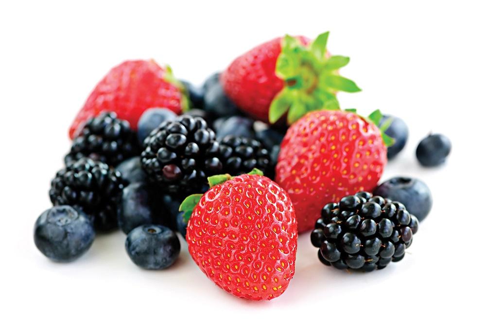 مصرف میوههای توتمانند