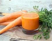 آب هویج و سیب و اسفناج