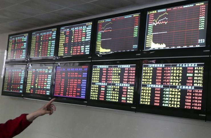 سونامی در بازار سهام چین؛ ۲۰ میلیون سرمایه گذار از بازار خارج شدند