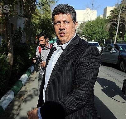 مهدی هاشمی خود را به زندان معرفی میکند