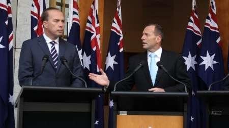 میکروفون روشن بلای جان وزیر استرالیایی شد
