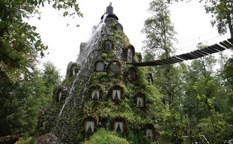 آشنایی با هتل کوهستان جادویی - شیلی
