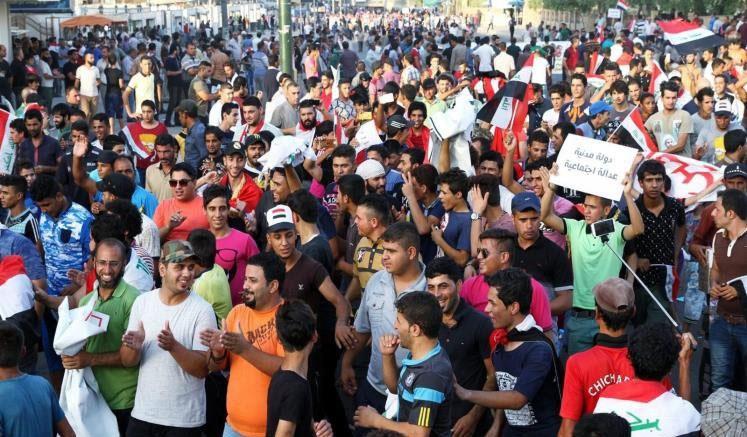 تظاهرات در ۱۲ استان عراق در اعتراض به کندی روند اصلاحات