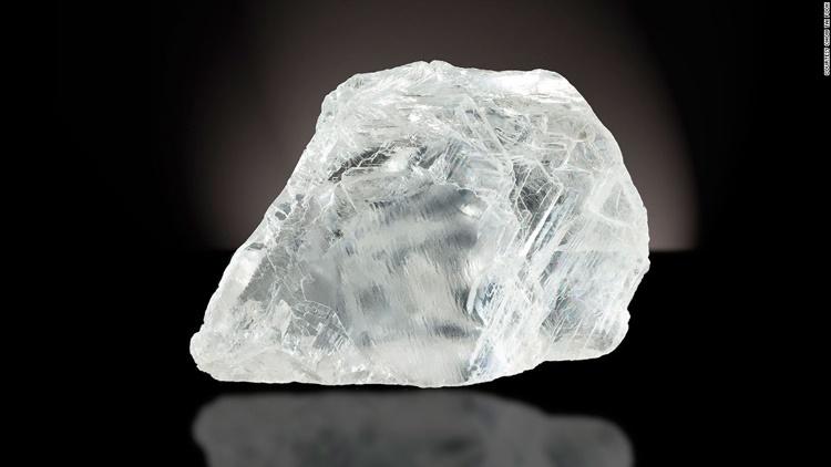 سفر یکی از کمیابترین الماسهای جهان از سیاهی معدن تا درخشش ابدی