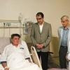 وزیر بهداشت به عیادت استاد آواز ایران رفت