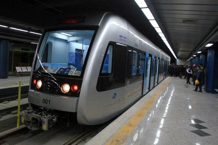 توقف مسافرگیری در دو ایستگاه خط۳ مترو به دلیل نقص فنی
