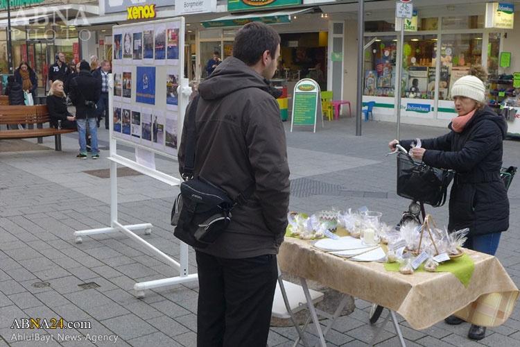 شمال آلمان | همراهی شمع و شیرینی با نامه دوم رهبر به جوانان غربی