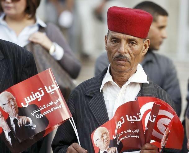 استعفای ۱۹ عضو ندای تونس در پارلمان، حزب النهضه را بر صدر نشاند