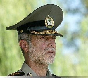 بازدید فرمانده کل ارتش از مرکز آموزش درجه داری پدافند هوایی اراک