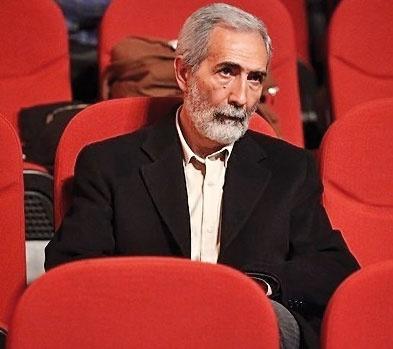 جایزه داستان انقلاب به نام و یاد مرحوم امیر حسین فردی اهدا میشود.