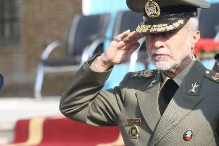 فرمانده کل ارتش از منطقه پدافند هوایی شمالغرب بازدید کرد