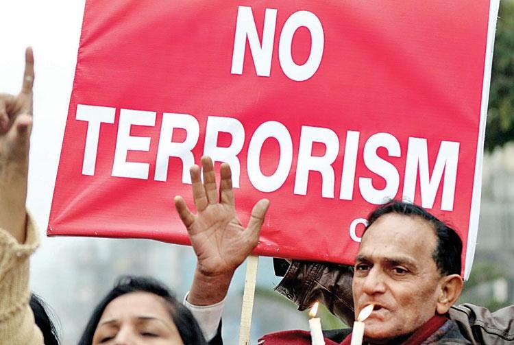 اعلام جنگ طالبان به دانشگاهها در پاکستان و رسانهها در افغانستان