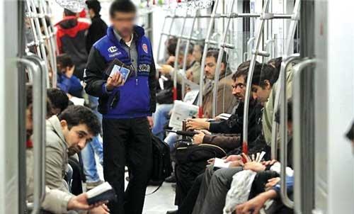 دستفروشان مترو میروند یا میمانند؟