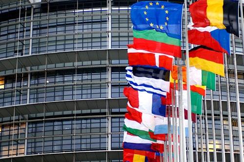 ارزیابی یورونیوز از رفتار محور لهستان - مجارستان در قبال کمیسیون اروپا
