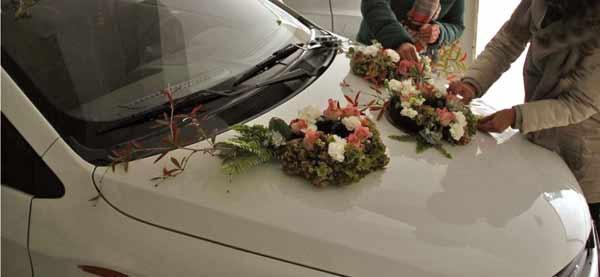 ماشین عروسیام را  خودم تزیین کردم