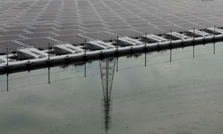 ژاپن بزرگترین مزرعه شناور انرژی خورشیدی را برپا میکند