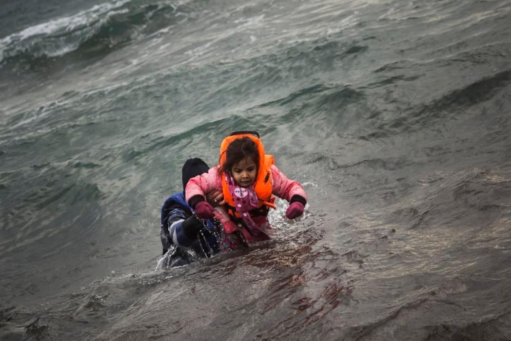 عکس روز: هراسان در دریای اژه