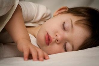 چگونه نوزاد و کودک بیخواب خود را بخوابانیم؟