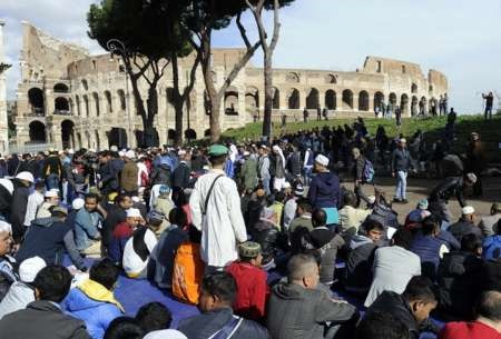 تجمع مسلمانان شهر رم در اعتراض به تعطیلی مساجد