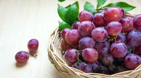 ۵ دلیل خوب برای مصرف انگور قرمز