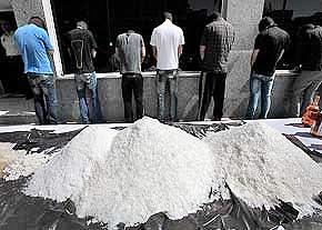 انهدام باند توزیع شیشه و هروئین | سرباند و ۶ نفر دیگر دستگیر شدند
