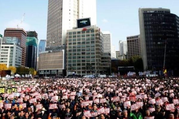 ادامه اعتراضها در  کره جنوبی | موج خشم مردم به کاخ ریاست جمهوری رسید