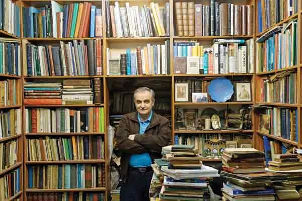 ناصرالدین حسنزاده - مجموعه دار