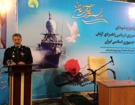 توسعه سواحل مکران و حفاظت از کشتیهای تجاری دو ماموریت بزرگ نیروی دریایی است