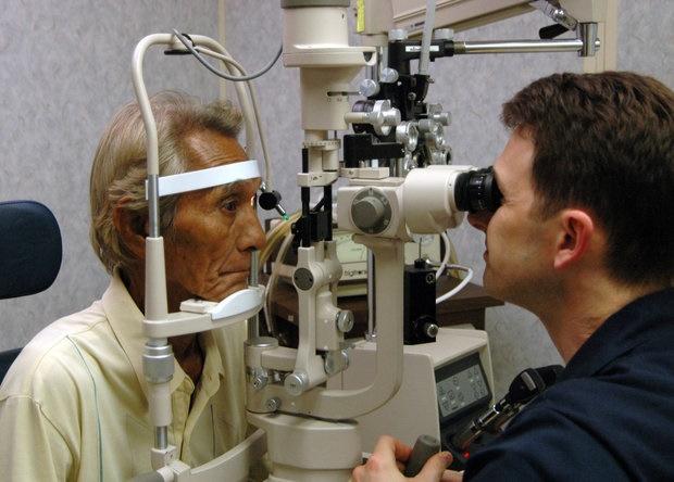 چشمها شروع بیماری آلزایمر را افشا میکنند