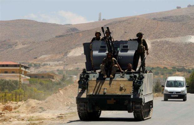 ارتش لبنان یک سرکرده و ۱۱ عضو داعش را در عرسال دستگیر کرد