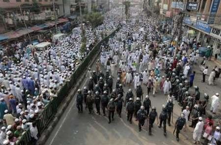 تظاهرات بنگلادشیها در حمایت از مسلمانان میانمار