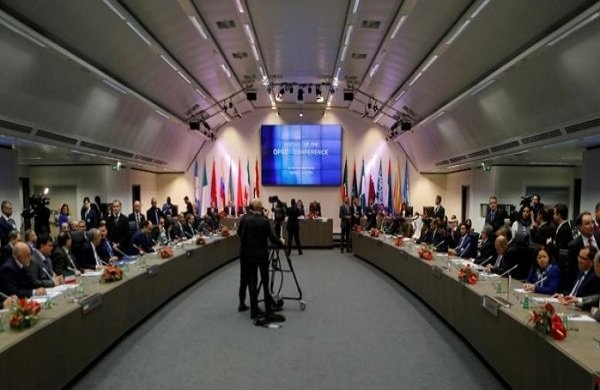 اوپک برای کاهش تولید نفت به توافق رسید