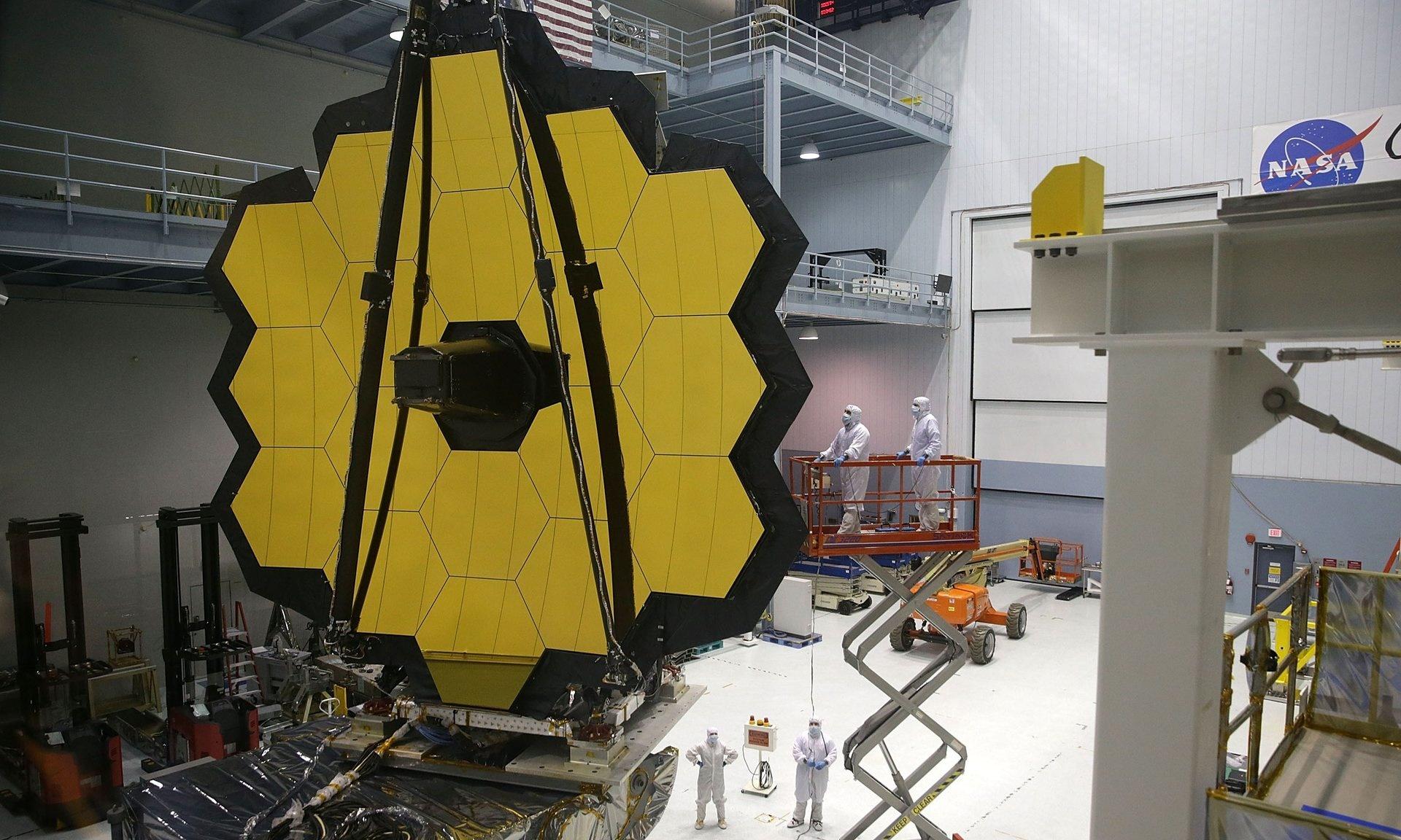 تکمیل بزرگترین تلسکوپ فضایی با آینههایی از طلا