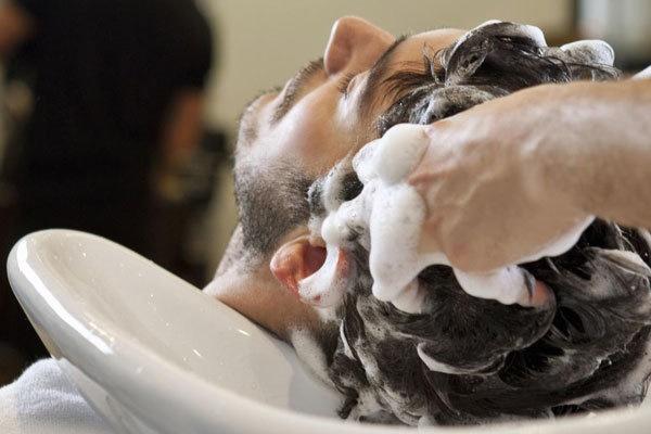 شستن سر در آرایشگاه