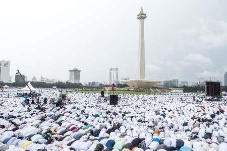 صدها هزار اندونزیایی علیه فرماندار جاکارتا تظاهرات کردند