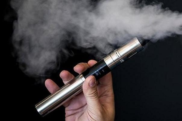 سیگار الکترونیکی به لثهها آسیب میرساند
