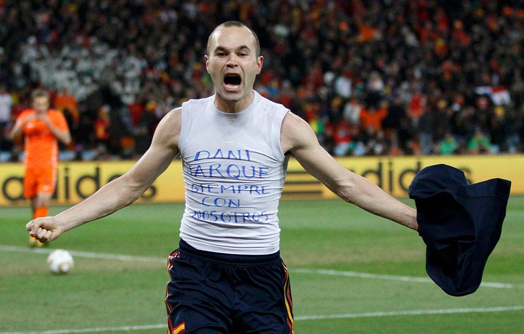 لحظه به ثمر رسیدن گل پیروزی اسپانیا توسط اینیستا در فینال جام جهانی در دقیقه ۱۱۶