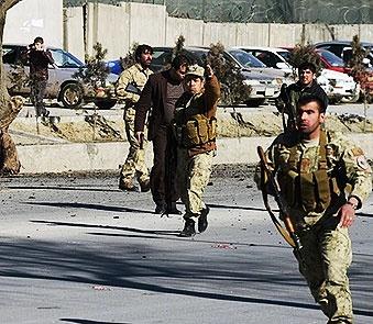 ۱۰ کشته در حمله انتحاری کابل   طالبان مسئولیت حمله را برعهده گرفت