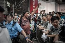 """پکن معترضان هنگ کنگی را """"جداییطلب افراطی"""" خواند"""