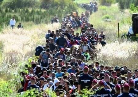 پلیس مقدونیه به روی صدها پناهجو گاز اشک آور شلیک کرد