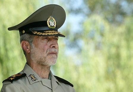 فرمانده کل ارتش از منطقه پدافند هوایی جنوب شرق بازدید کرد