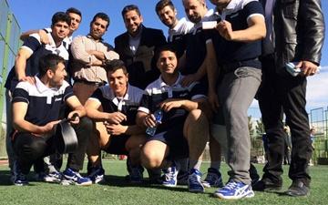 قهرمانی تیم مجموعه ورزشی بانک مسکن در مسابقات طنابکشی کارگران استان تهران