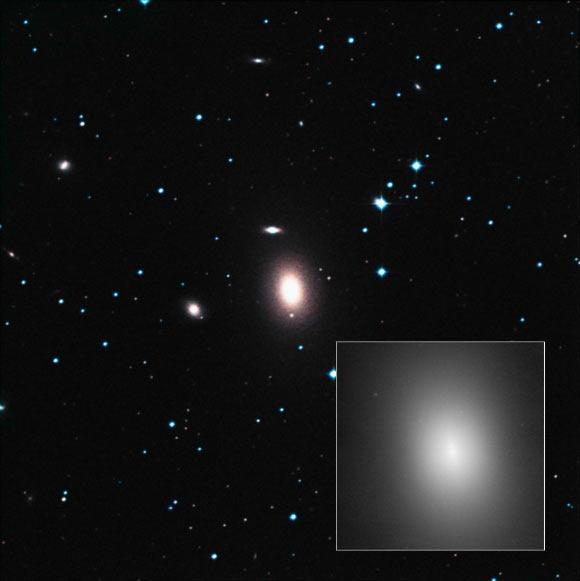 هابل دومین سیاهچاله غولپیکر جهان هستی را کشف کرد